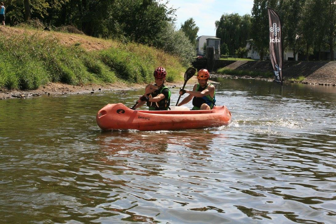 Asi tak po sem mě ta kanoe bavila, tedy asi prvních 50 metrů.