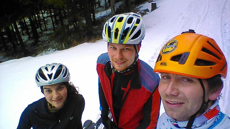 A tak jsme vyrazili a jeli tak dlouho, až začal sníh.